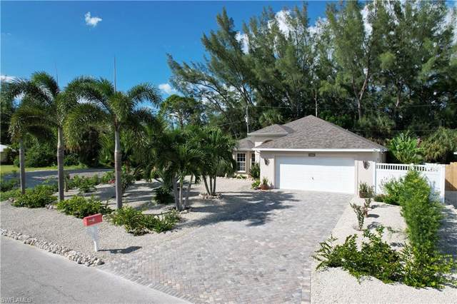 3472 Manatee Drive, Other, FL 33956 (#221073396) :: Southwest Florida R.E. Group Inc