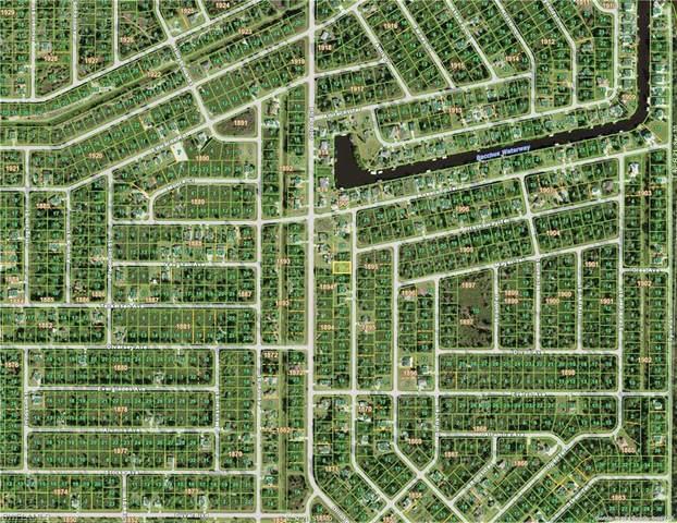 4351 Kempson Lane, Port Charlotte, FL 33981 (#221073612) :: Jason Schiering, PA