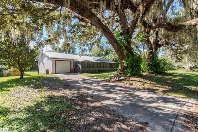 4004 Teak Court, Labelle, FL 33935 (MLS #221073996) :: Medway Realty