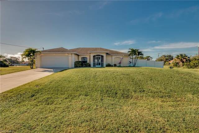 2708 Van Buren Parkway, Cape Coral, FL 33993 (#221074790) :: Southwest Florida R.E. Group Inc