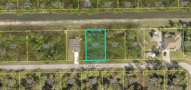 1115 Artic Street E, Lehigh Acres, FL 33974 (#221075414) :: MVP Realty