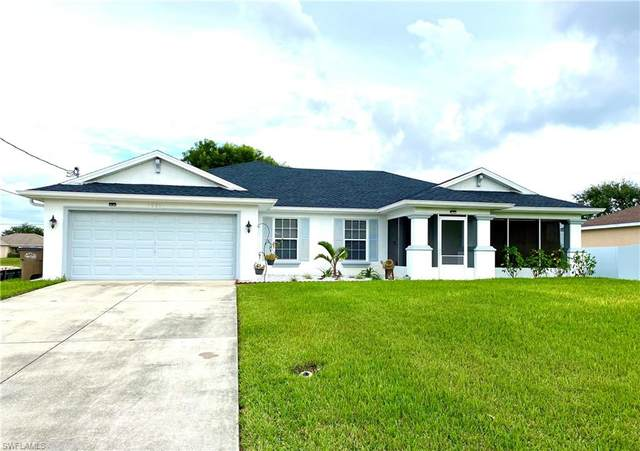 1005 NE 2nd Avenue, Cape Coral, FL 33909 (#221075492) :: The Michelle Thomas Team