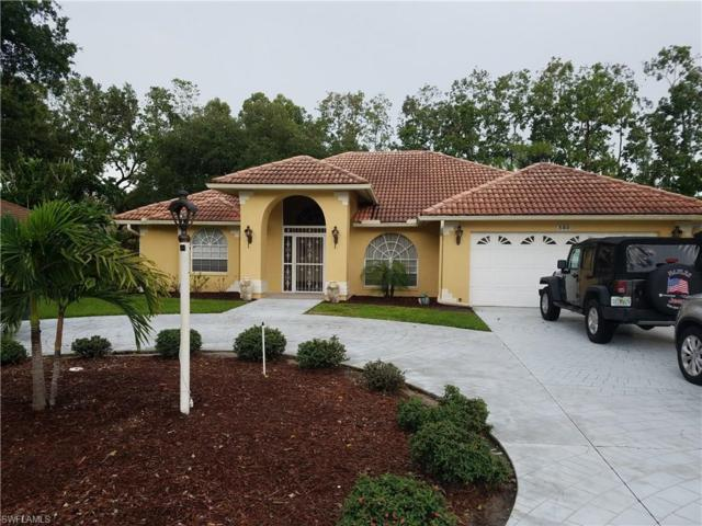 560 Henley Dr, Naples, FL 34104 (#217049085) :: Homes and Land Brokers, Inc