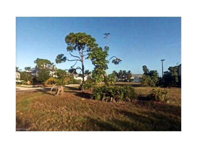 7798 Breakwater Ct, Bokeelia, FL 33922 (MLS #217078372) :: The New Home Spot, Inc.