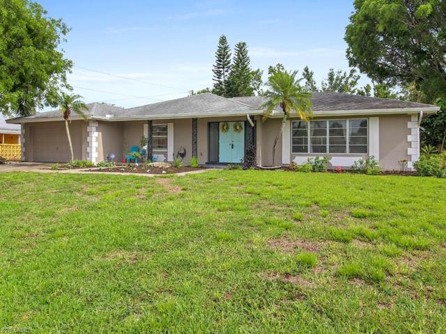 1430 Cumberland Ct, Fort Myers, FL 33919 (MLS #218036087) :: The New Home Spot, Inc.