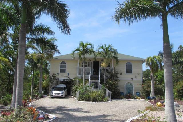 5228 Barrow Dr, St. James City, FL 33956 (MLS #218038778) :: Clausen Properties, Inc.