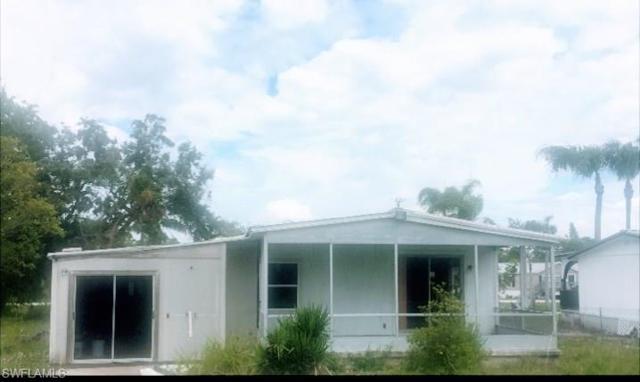 1381 Riverview Dr, Moore Haven, FL 33471 (MLS #218052300) :: RE/MAX DREAM
