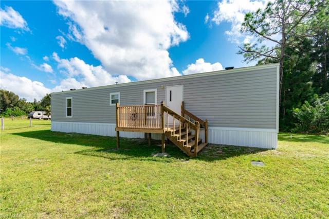 8221 Scarecrow Rd, North Fort Myers, FL 33917 (MLS #218066987) :: The New Home Spot, Inc.