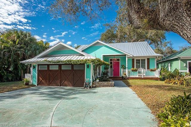 27315 Tennessee St, Bonita Springs, FL 34135 (MLS #219001721) :: RE/MAX DREAM