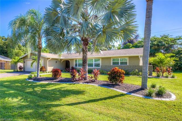 7019 E Fountainhead Rd, Fort Myers, FL 33919 (#219061220) :: The Dellatorè Real Estate Group