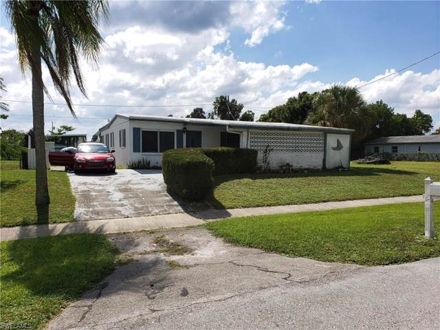 939 Hibiscus Ln, North Fort Myers, FL 33903 (MLS #219070899) :: The Naples Beach And Homes Team/MVP Realty