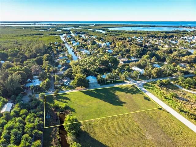 7675 Barrancas Ave, Bokeelia, FL 33922 (MLS #219084562) :: Clausen Properties, Inc.