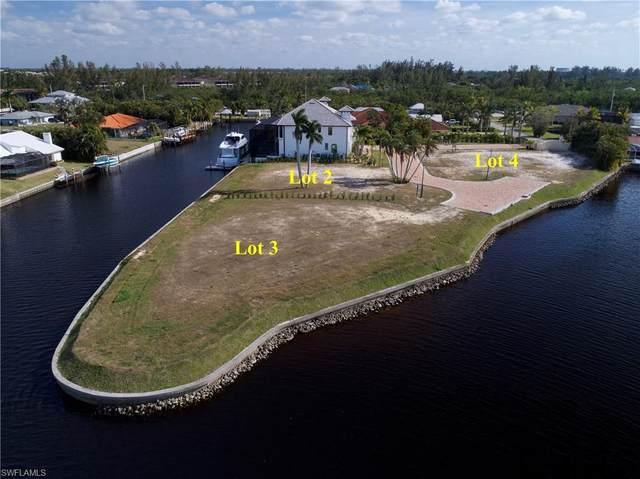 14201 Bay Dr, Fort Myers, FL 33919 (MLS #220004058) :: Clausen Properties, Inc.