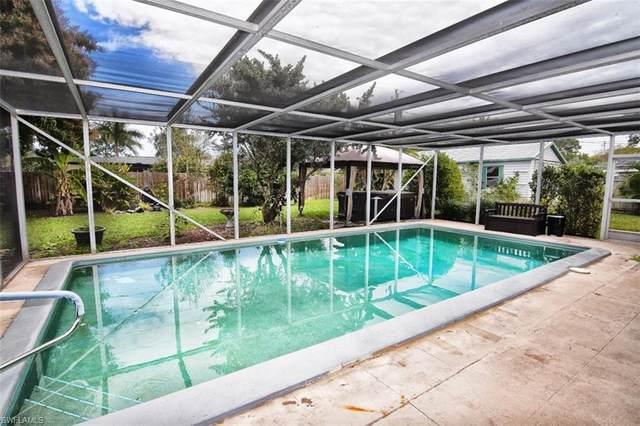 527 Keenan Ave, Fort Myers, FL 33919 (MLS #220009301) :: Clausen Properties, Inc.