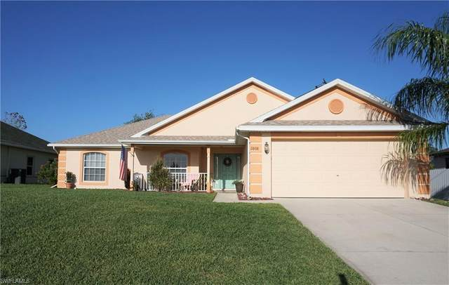 2808 NE 3rd Ave, Cape Coral, FL 33909 (MLS #220020999) :: Sand Dollar Group