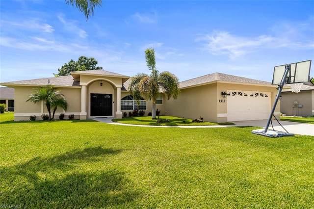 1517 Graduate Court, Lehigh Acres, FL 33971 (MLS #220040785) :: Clausen Properties, Inc.