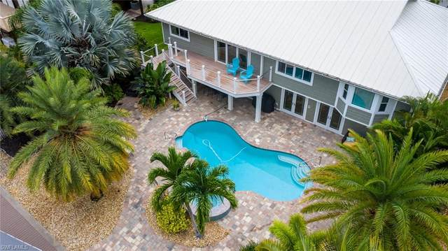 18355 Deep Passage Lane, Fort Myers Beach, FL 33931 (#220045626) :: Caine Premier Properties