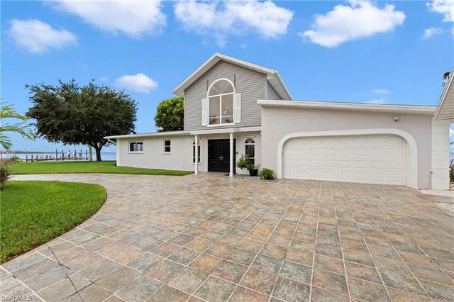 12798 Dennis Drive, Fort Myers, FL 33908 (MLS #220052736) :: Florida Homestar Team