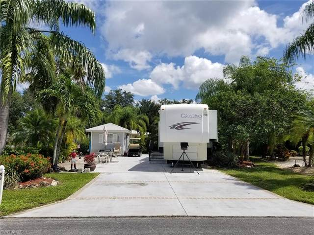 5950 Maplewood Court, Fort Myers, FL 33905 (#220054745) :: The Dellatorè Real Estate Group