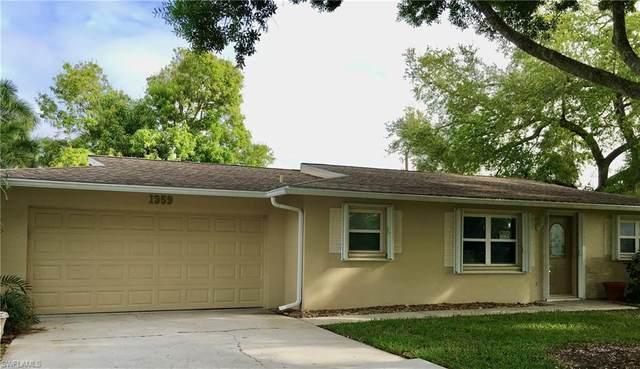 1359 Jambalana Lane, Fort Myers, FL 33901 (MLS #220055884) :: NextHome Advisors