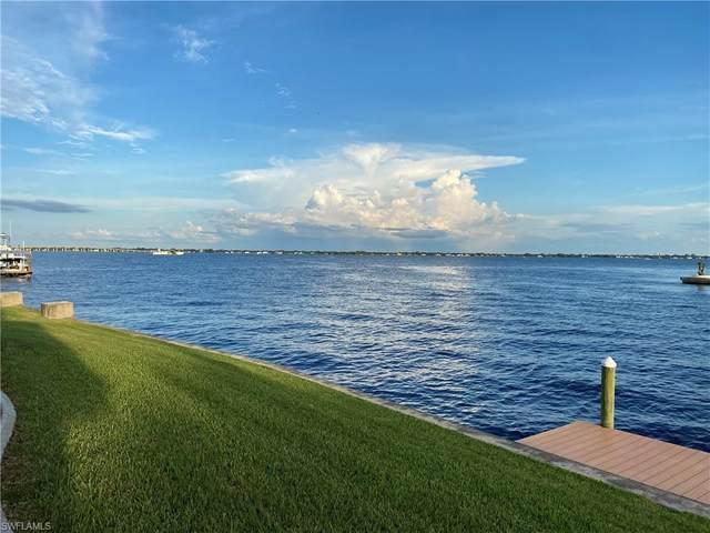 2220 SE 28th Street, Cape Coral, FL 33904 (#220059596) :: Caine Premier Properties
