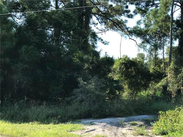 117 Teakwood Court, Lehigh Acres, FL 33974 (#220064335) :: The Dellatorè Real Estate Group