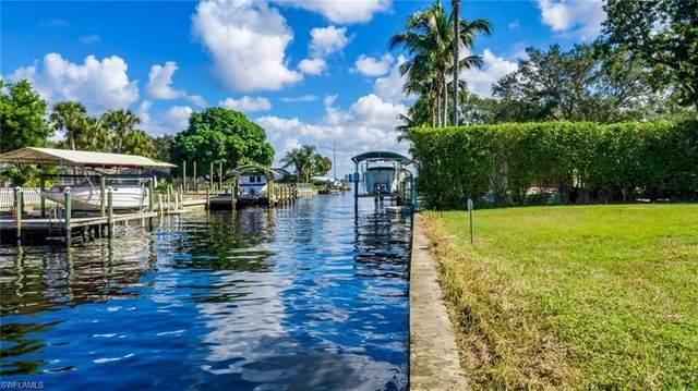 1806 Marina Circle, North Fort Myers, FL 33903 (#220071426) :: The Dellatorè Real Estate Group
