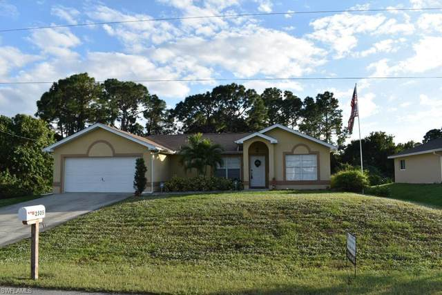 2505 8th Street SW, Lehigh Acres, FL 33976 (MLS #220074801) :: RE/MAX Realty Team