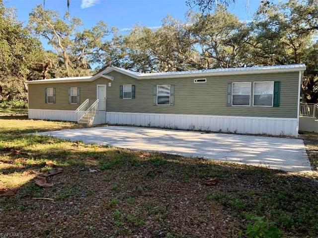 1256 Oak Tree Lane, Moore Haven, FL 33471 (MLS #221002514) :: Avantgarde