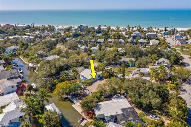 129 Falkirk Street, Fort Myers Beach, FL 33931 (MLS #221010681) :: Realty Group Of Southwest Florida