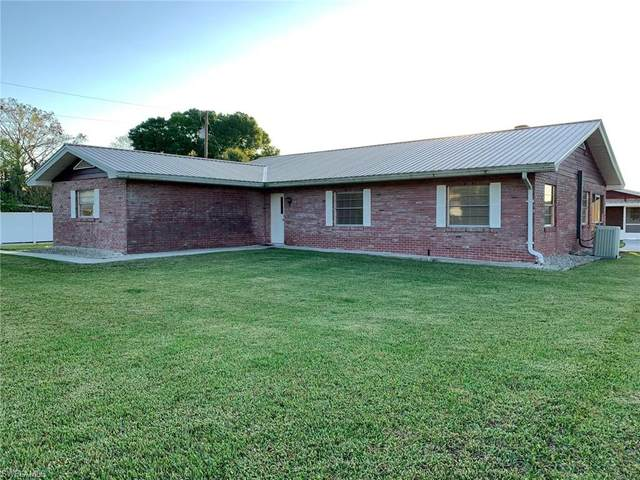 2576 County Road 721 Loop, Moore Haven, FL 33471 (MLS #221013693) :: Clausen Properties, Inc.