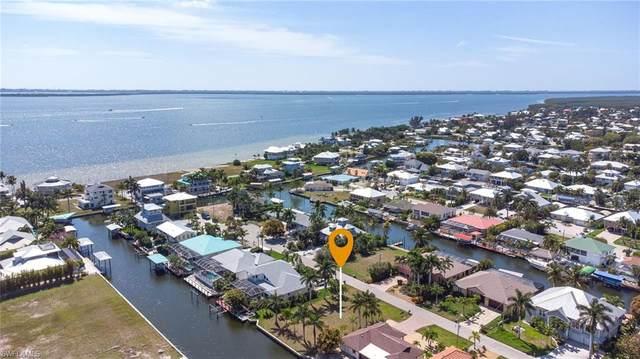 2388 Cherimoya Lane, St. James City, FL 33956 (MLS #221015268) :: Domain Realty