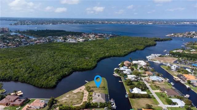 14211 Bay Drive, Fort Myers, FL 33919 (#221015626) :: We Talk SWFL