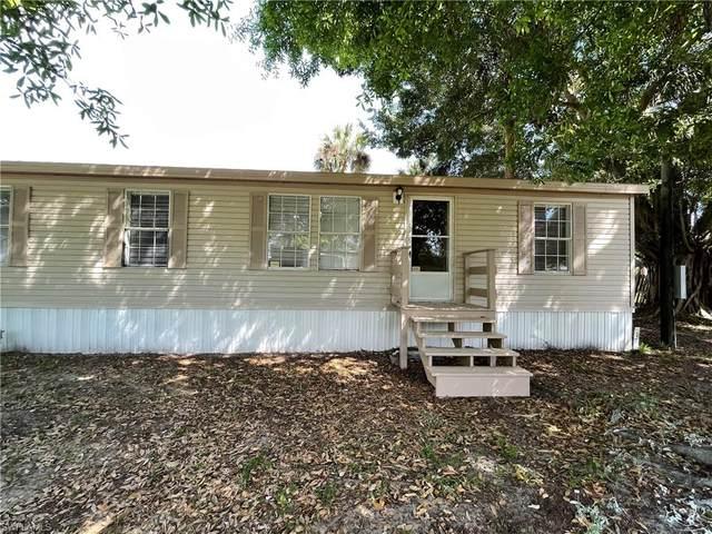 7901 Marx Drive, North Fort Myers, FL 33917 (#221016909) :: We Talk SWFL