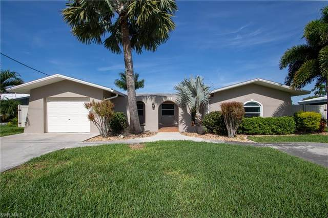 3110 SE 18th Place, Cape Coral, FL 33904 (MLS #221029636) :: Wentworth Realty Group
