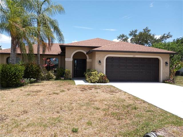 1231 SE 2nd Place, Cape Coral, FL 33990 (#221036570) :: Jason Schiering, PA