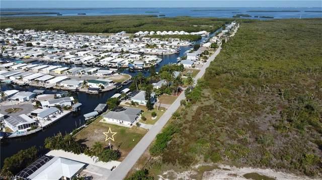 3831 Galt Island Avenue, St. James City, FL 33956 (MLS #221037421) :: The Naples Beach And Homes Team/MVP Realty