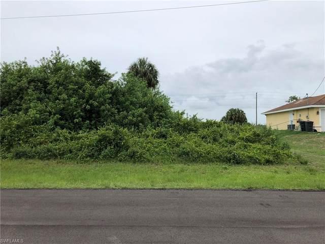 3019 S Balsam Circle, Labelle, FL 33935 (#221044952) :: The Dellatorè Real Estate Group