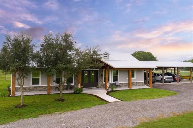2010 Frontier Circle, Labelle, FL 33935 (#221051452) :: Southwest Florida R.E. Group Inc