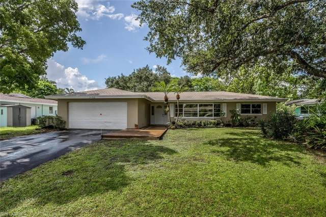 1652 S Hermitage Road, Fort Myers, FL 33919 (MLS #221054902) :: Clausen Properties, Inc.
