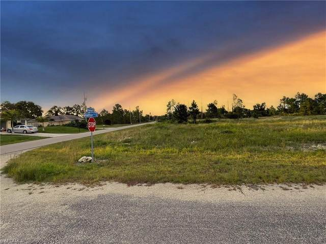 1239 Hathor Street E, Lehigh Acres, FL 33974 (MLS #221055791) :: Crimaldi and Associates, LLC
