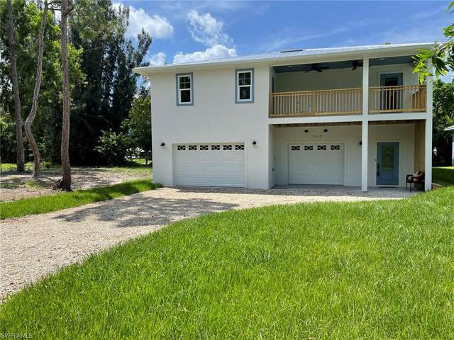 7263 Hibiscus Avenue W, Bokeelia, FL 33922 (MLS #221060276) :: RE/MAX Realty Team