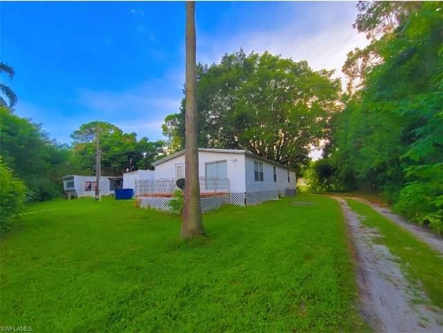 7623/7621 Breeze Drive, North Fort Myers, FL 33917 (#221061482) :: Jason Schiering, PA