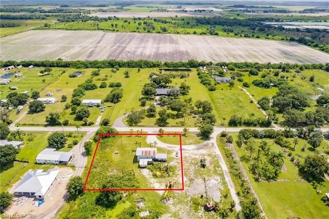 2710 Evans Road, Labelle, FL 33935 (MLS #221062610) :: Realty World J. Pavich Real Estate