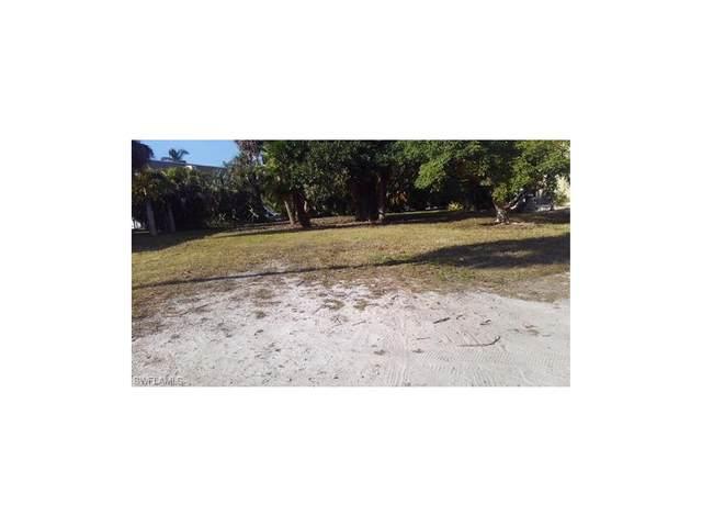203 Anchorage Street, Fort Myers Beach, FL 33931 (#217074826) :: The Dellatorè Real Estate Group