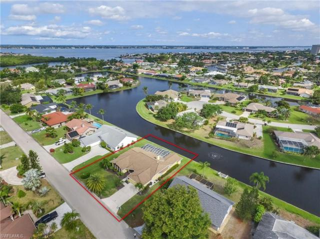 947 Deep Lagoon Ln, Fort Myers, FL 33919 (MLS #218015936) :: RE/MAX Realty Group