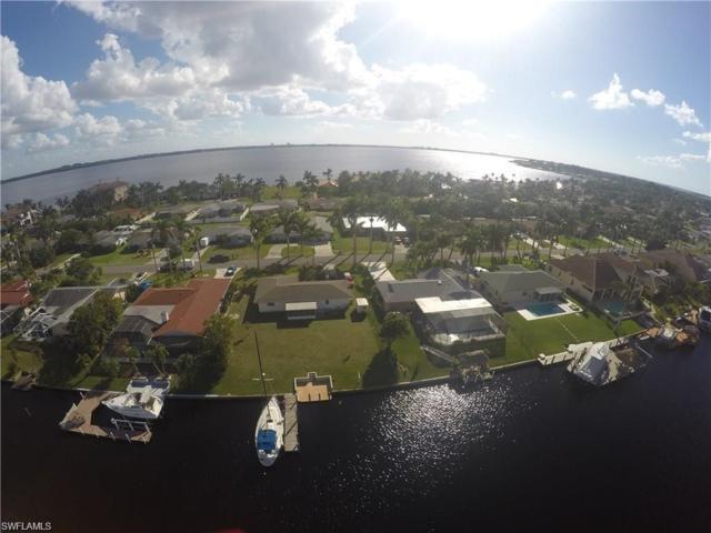 433 Bayshore Dr S, Cape Coral, FL 33904 (MLS #218030393) :: The New Home Spot, Inc.