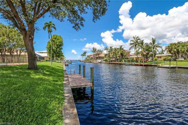 805 Cape View Dr, Fort Myers, FL 33919 (MLS #218054282) :: The New Home Spot, Inc.