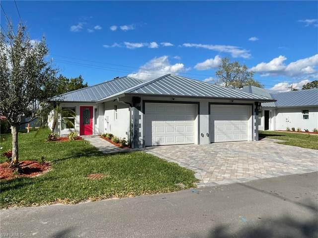 202 Village Circle, Labelle, FL 33935 (MLS #220020384) :: BonitaFLProperties