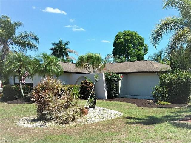 1450 Medoc Lane, Fort Myers, FL 33919 (MLS #220028915) :: Florida Homestar Team